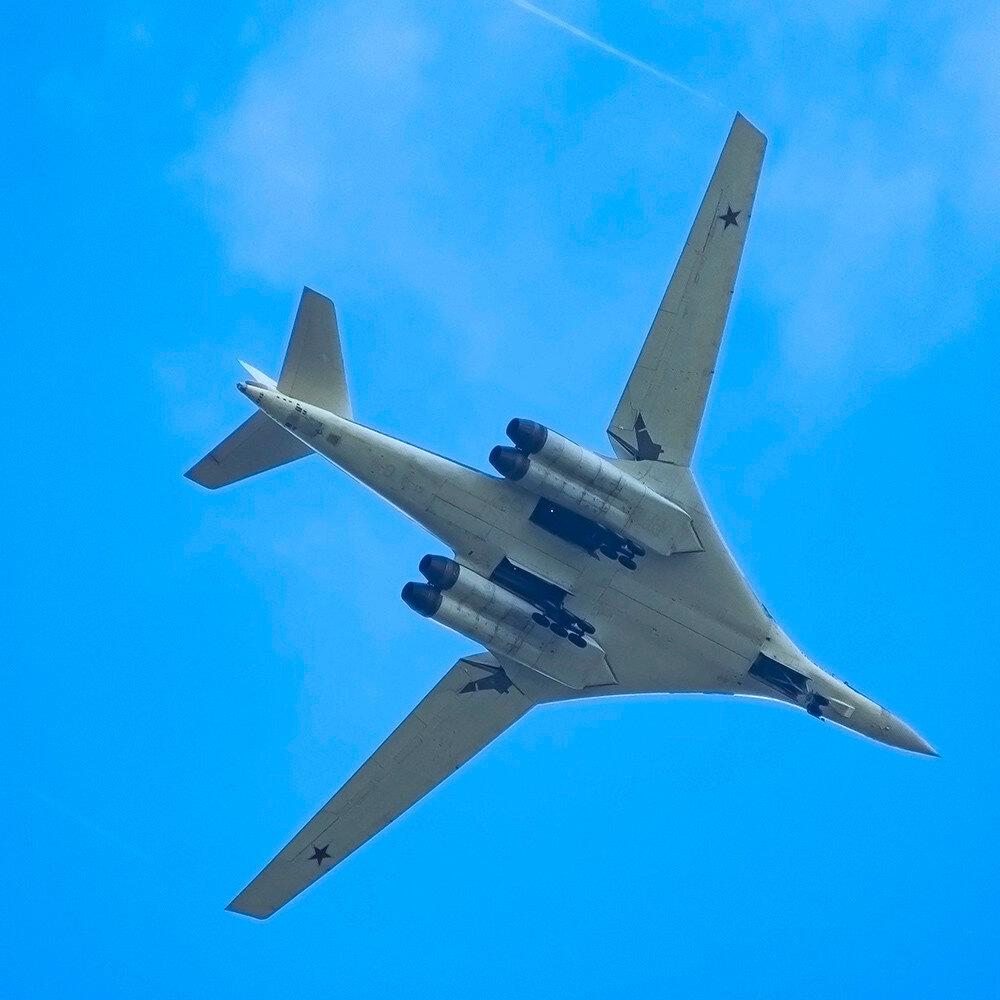 RF-94109 T160 Russian Air Force Nikolay Novikov UUMB 0.jpg