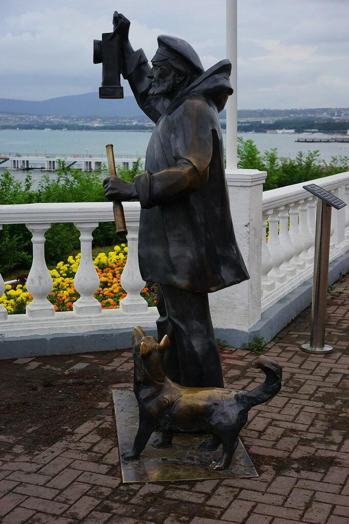 """Геленджик. Памятник """"Смотритель маяка"""""""