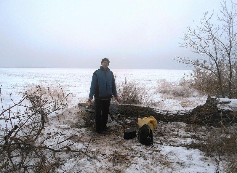 У костра ... В походе декабрьском, снежно-туманном,