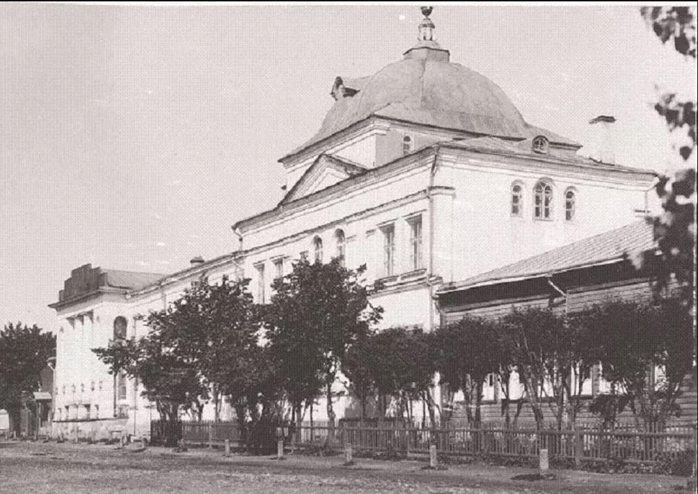 Введенская церковь, женское епархиальное училище до перестройки по проекту 1911