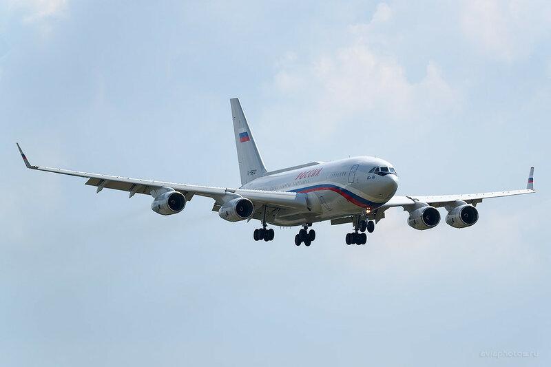 Ильюшин Ил-96-300ПУ (RA-96021) Россия 0420_D804471