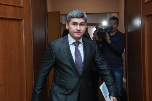 Несмотря на решение судьи, Петренко был задержан в аэропорту