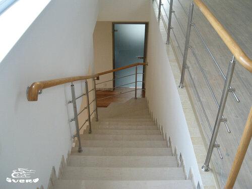 020. лестница на 2 этаж, ограждения лестницы