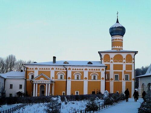 Церковь Варлаама Хутынского с трапезной