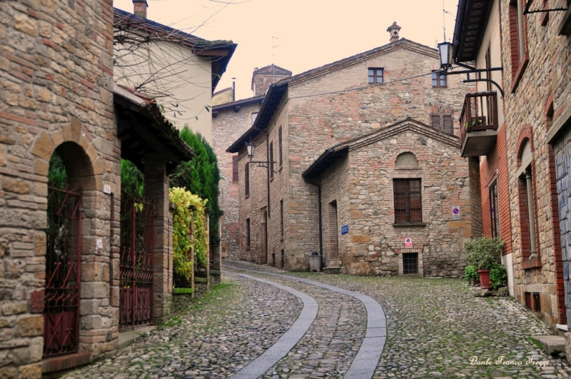 Самые красивые деревни Италии, Кастель-Аркуато