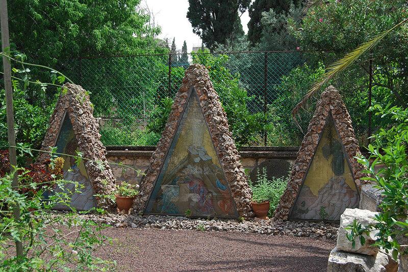 Три символических кущи на горе Фавор
