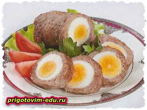 Классический мясной рулет с яйцом