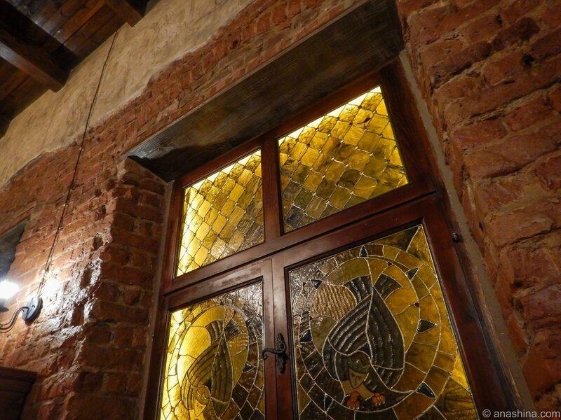 """Витраж, ресторан """"Темница"""", Смоленск"""