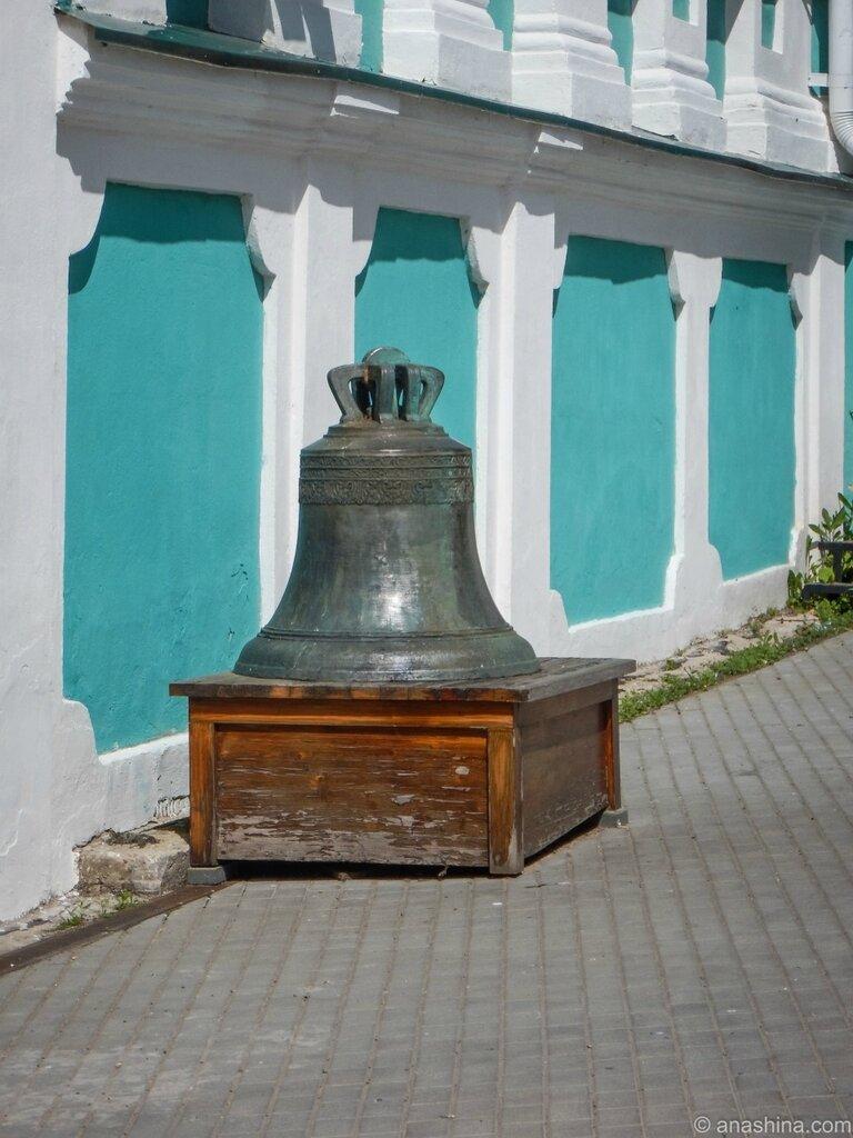 Колокол 1636 года, Успенский собор, Смоленск