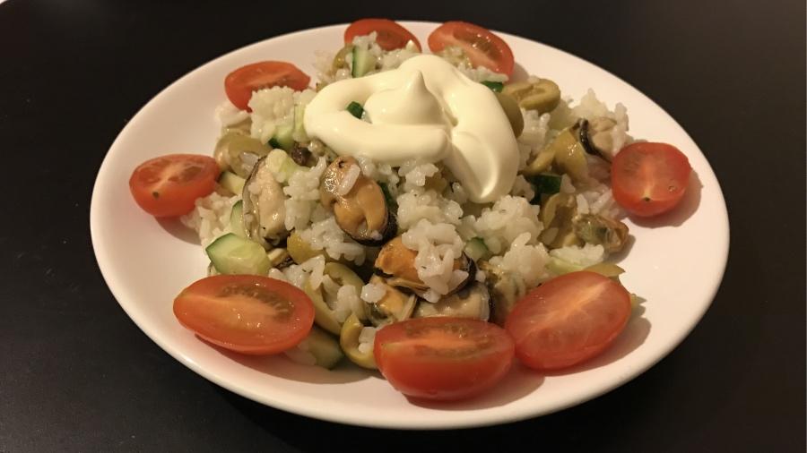 Салат из риса с мидиями Аромат моря