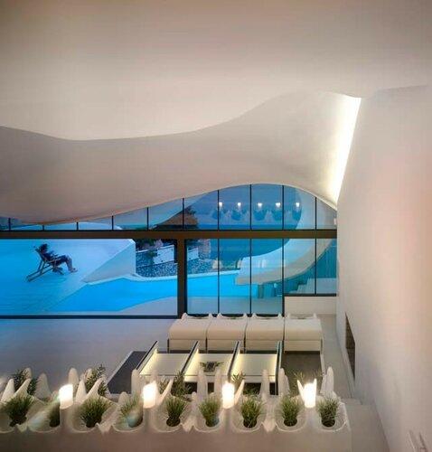 Энергоэффективный дом на скалах в Испании