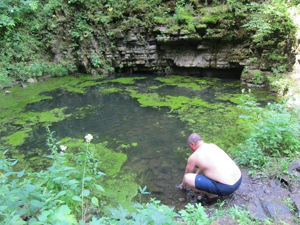 Сухие водопады— пруд
