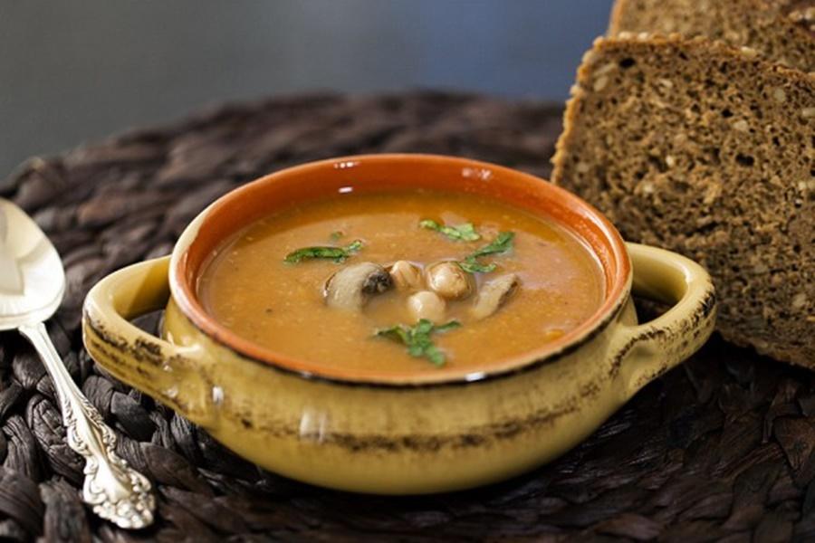 Грибной суп из фасоли или гороха