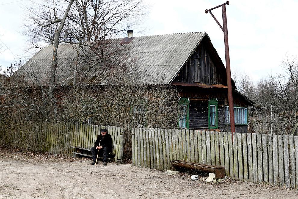 С Иваном в селе жили сестра и ёё муж, но потом решили уехать. Очень скоро они умерли. От страха