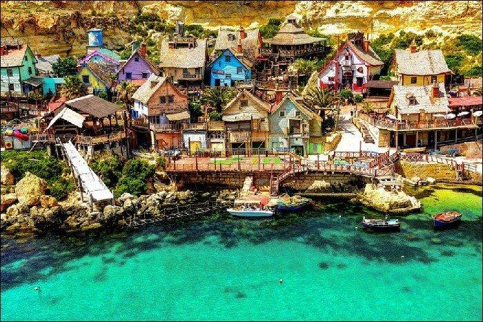Деревня Попай Группа деревянных зданий, расположенных в бухте Анкор-Бэй на северо-западе острова Мальта.