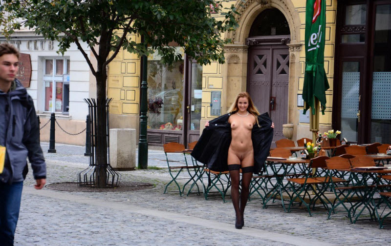 Девчонки без лишних одежд