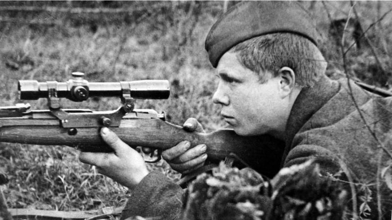 Снайпер 311-й стрелковой дивизии Иванов.jpg