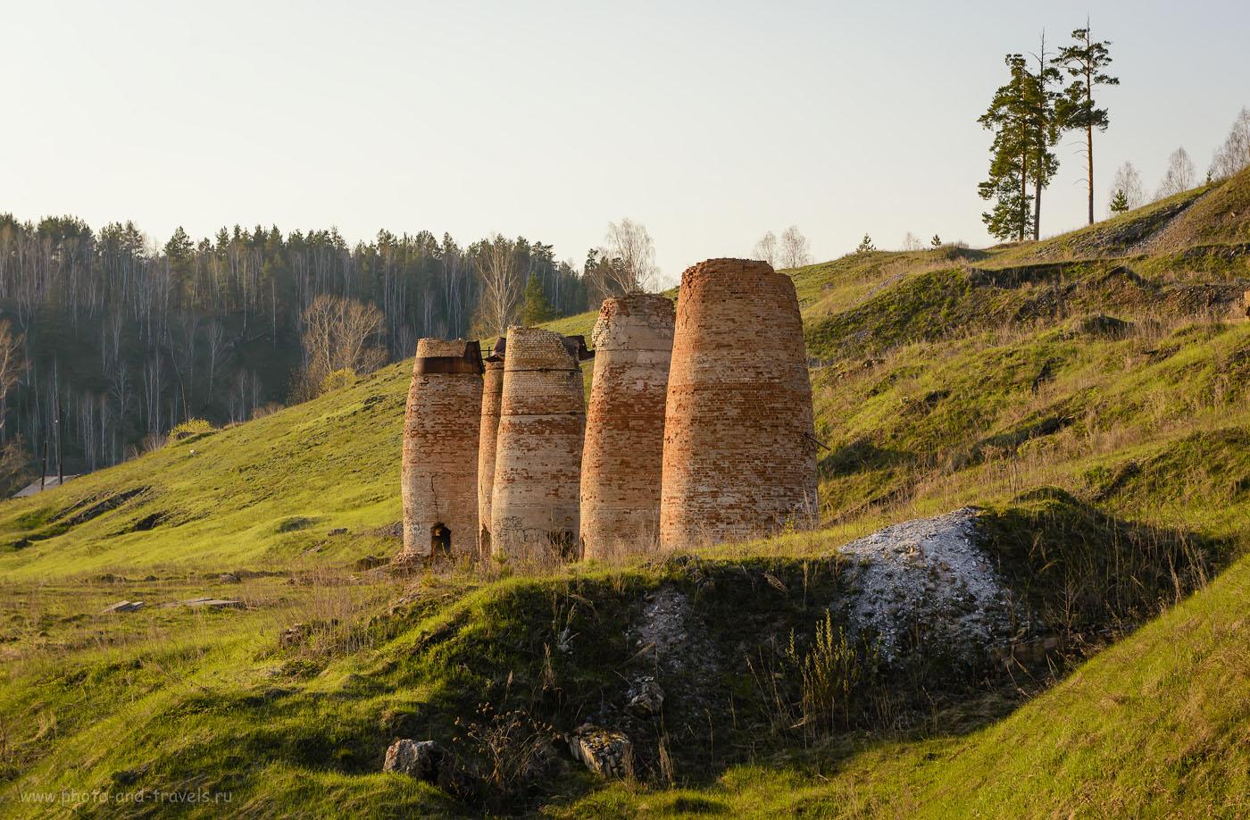 Фото 30. Старые печи по обжигу известняка в Челябинской области. Мне они напомнили родовые башни в Ингушетии. 1/320, -1.0, 8.0, 320, 70.
