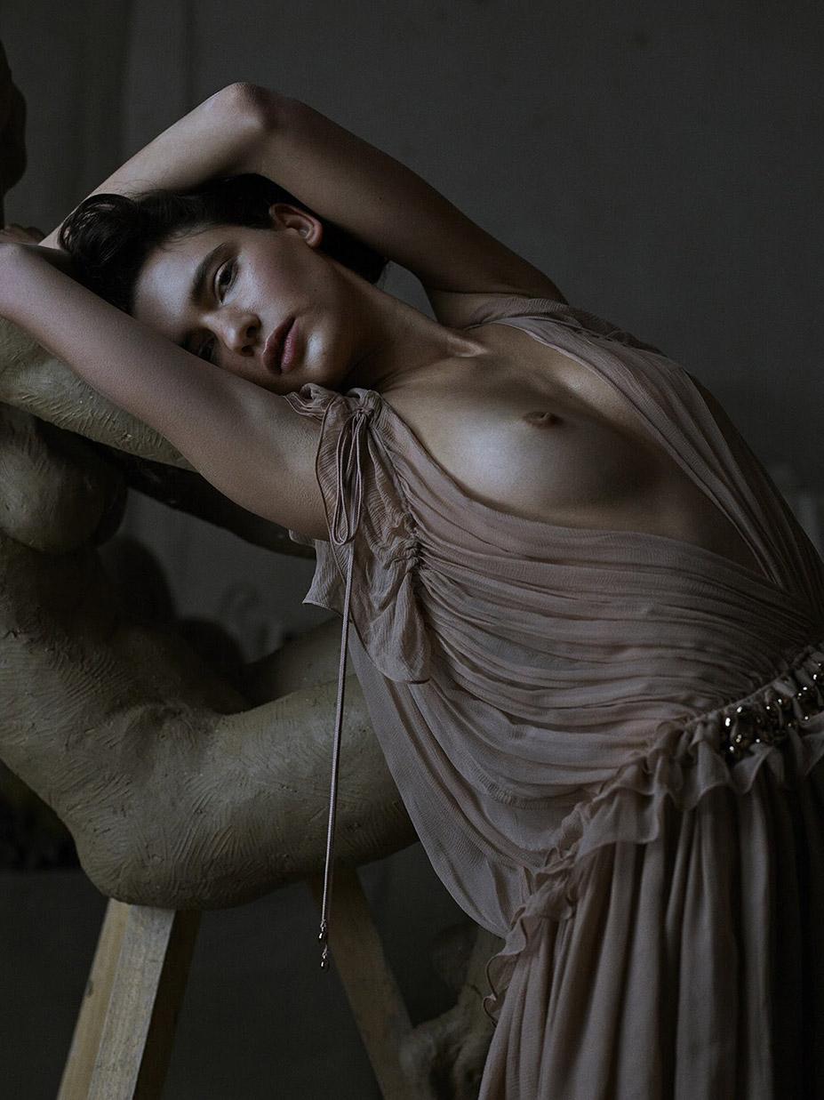 Iana Godnia / Яна Годня в журнале Vogue Украина, март 2016 / фотограф Phil Poynter