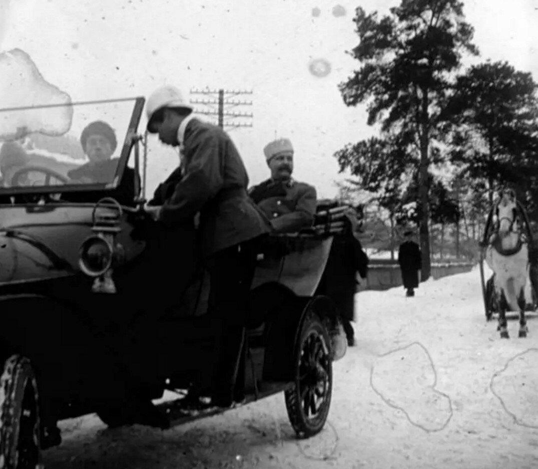 1912. Московский губернатор Владимир Федорович Джунковский у платформы «Новогиреево»