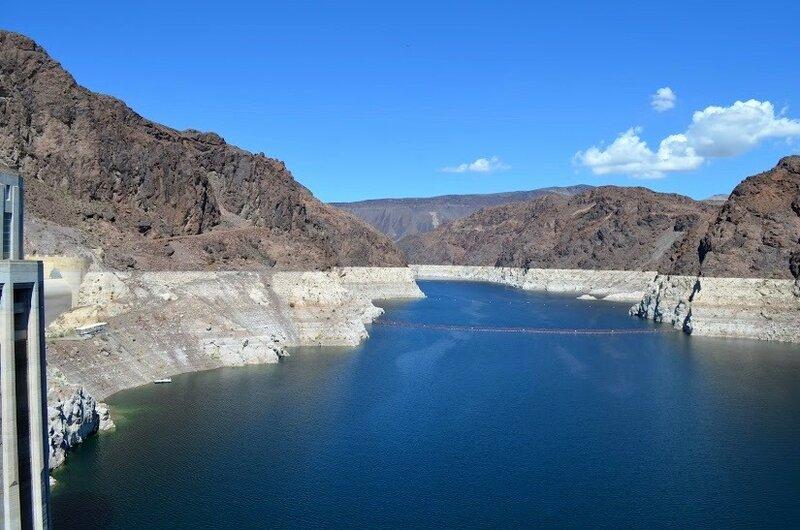 Река Колорадо в районе Дамбы Гувера