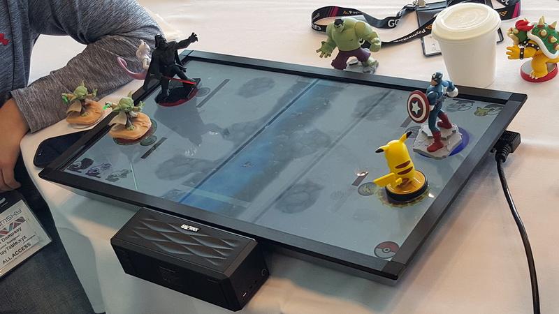 Консоль PlayTable для любителей настольных игр