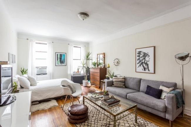 © apartmenttherapy  Отсутствие стен встудии— невсегда вызов вашему жилью иобразу жизни. По