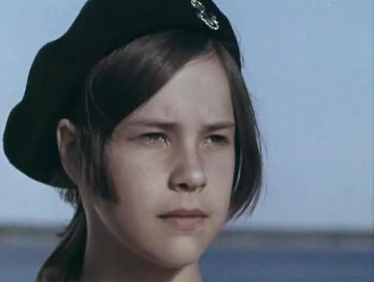 Татьяна Догилева, 1971, «Отдать швартовы!» — радистка.