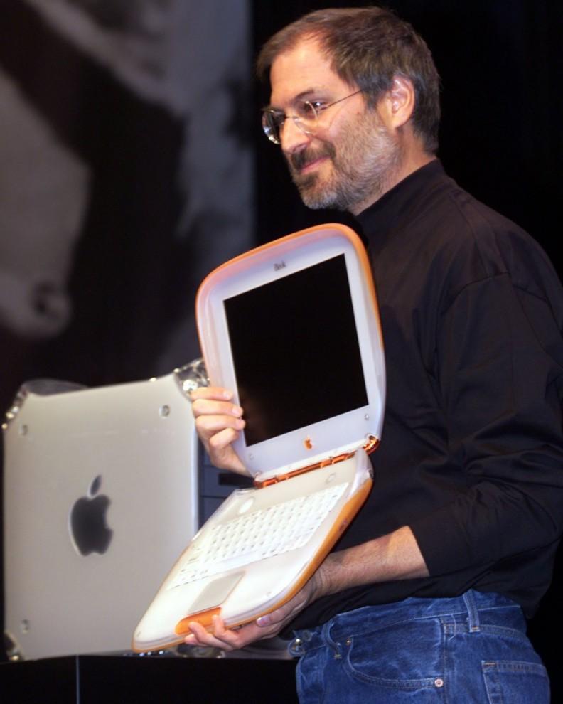 2001 В 2001 году появился iPod – продукт, который коренным образом изменил образ компании Apple,