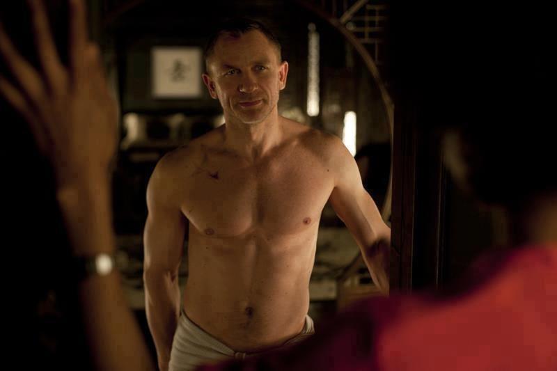 """13. Дэниэл Крейг, тело (на время съемок фильма """"Квант милосердия""""), $9.5 миллионов"""