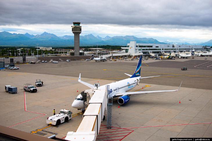2. Полёты до Анкориджа выполняются каждую неделю по понедельникам, но только до 29 августа. Такая пр