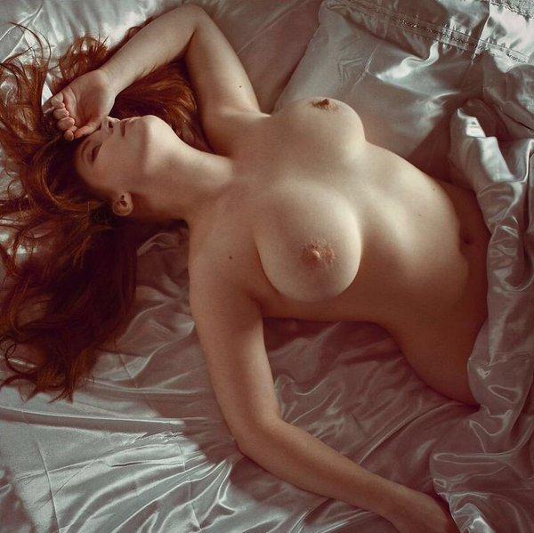 redhead-sleep-naked-videos-of-hanah-montana-doing-sex
