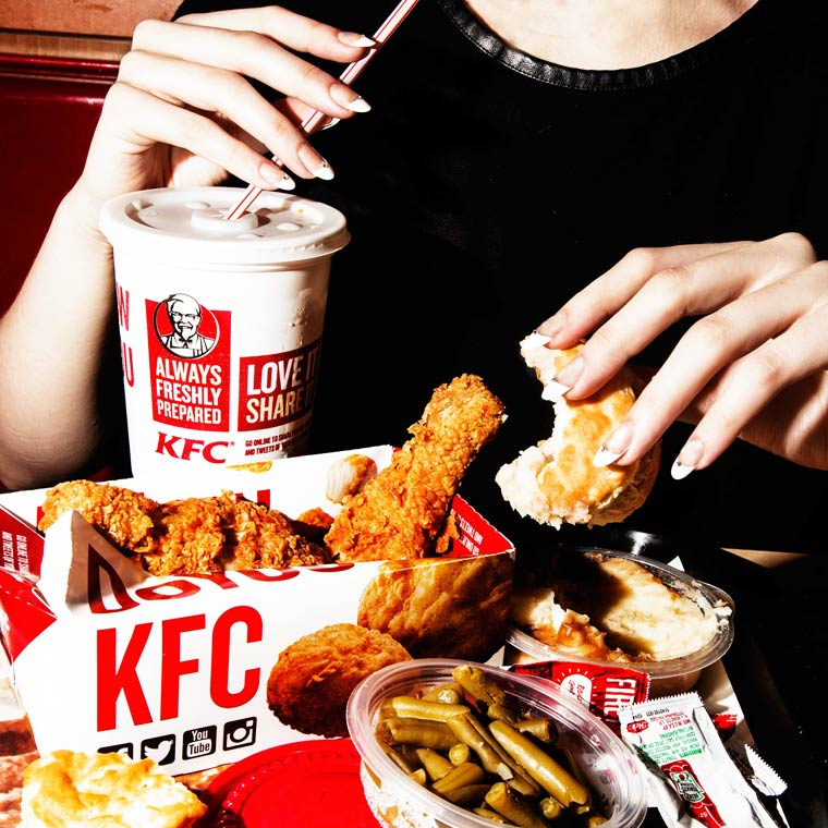 Fake Nails and Junk Food - The dripping and greasy pictures of Amy Lombard