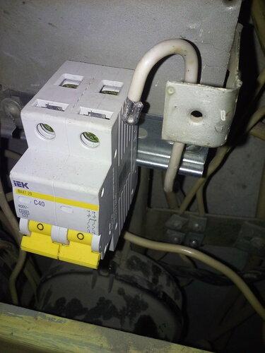 Замена автоматов квартиры в этажном электрощите