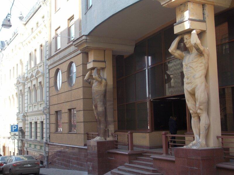 Дом по конструктивистскому проекту архитектора Виталия Лагутенко, дедушки музыканта Ильи Лагутенко