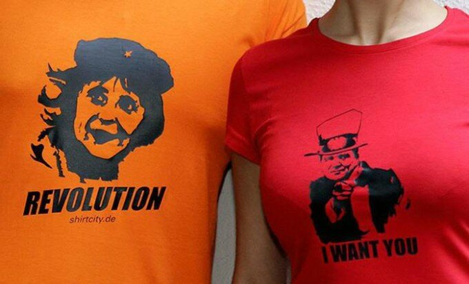 Модный тренд: портреты политиков на футболках и другой одежде