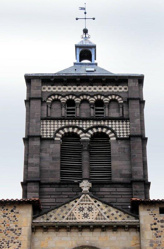 Клермон-Ферран. Базилика Нотр-Дам-дю-Пор (Basilique Notre-Dame-du-Port)