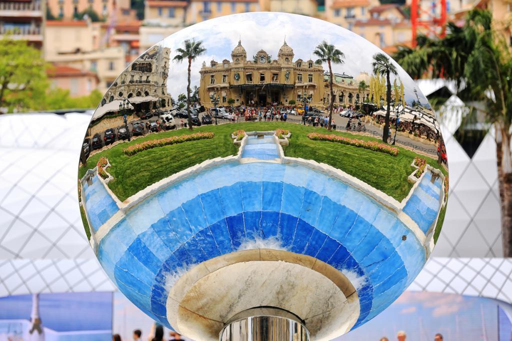 Седьмое место завоевал отель де Пари в Монте-Карло. Здание было задействовано в съёмках фильма о