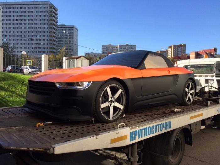 – Как долго будут проходить дорожные испытания? И как ваш «КРЫМ» переносит крымские дороги? – Машина