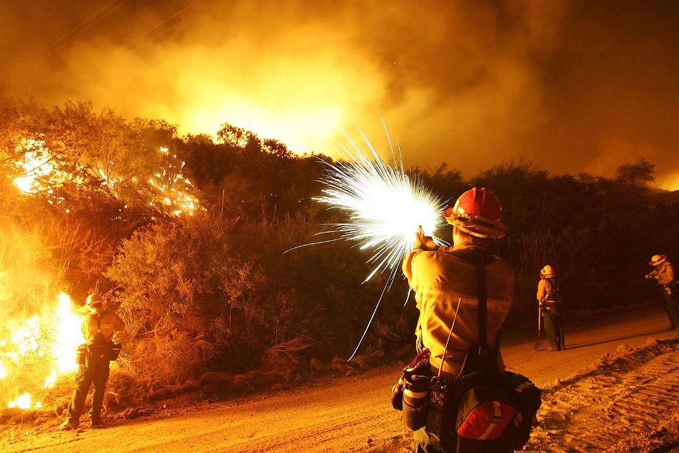 У лесных пожаров есть классификация по силе . Сильным считается пожар, если скорость его распро