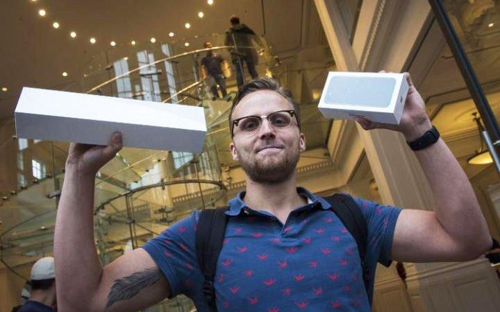 IPhone 7— недля Челябинска: начало продаж прошел без клиентов