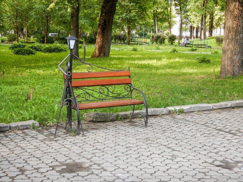 Скамейка с фигурой фотографа, Лопатинский сад, Смоленск
