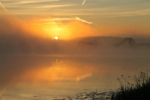 Утром на реке.