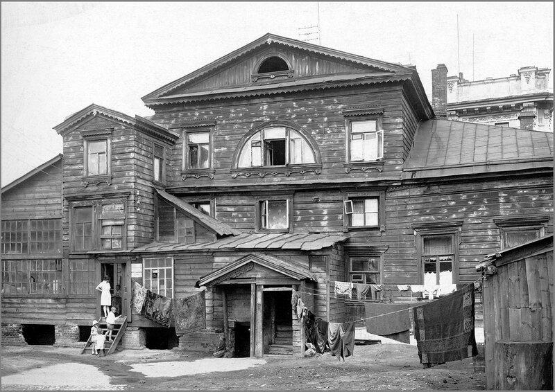 36418 Дом Хвостовых (Чибисовых) у Покровских ворот 1930-е.jpg