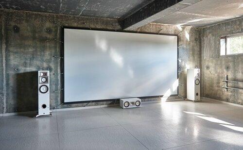 059 кинозал, проекционный экран, интерьер в стиле лофт