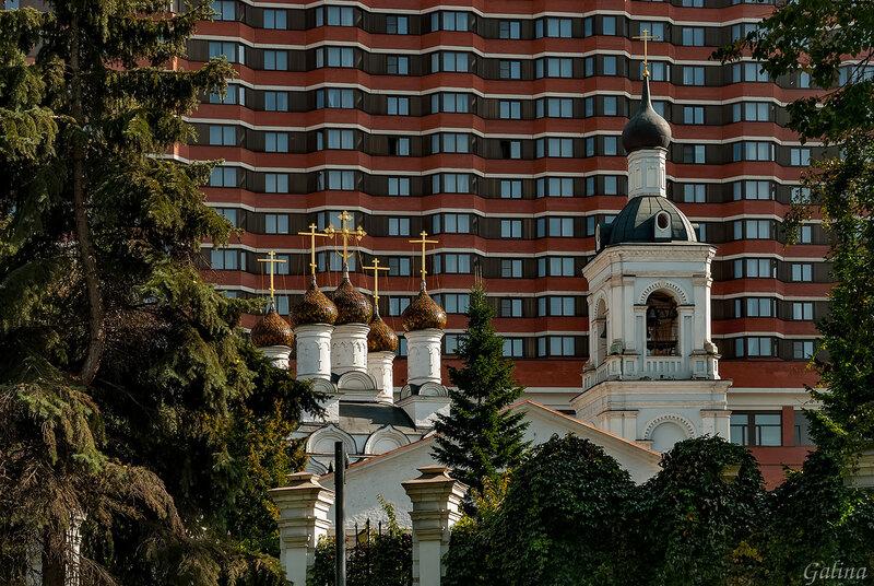 Храм святителя Николая Мирликийского в Голутвине.