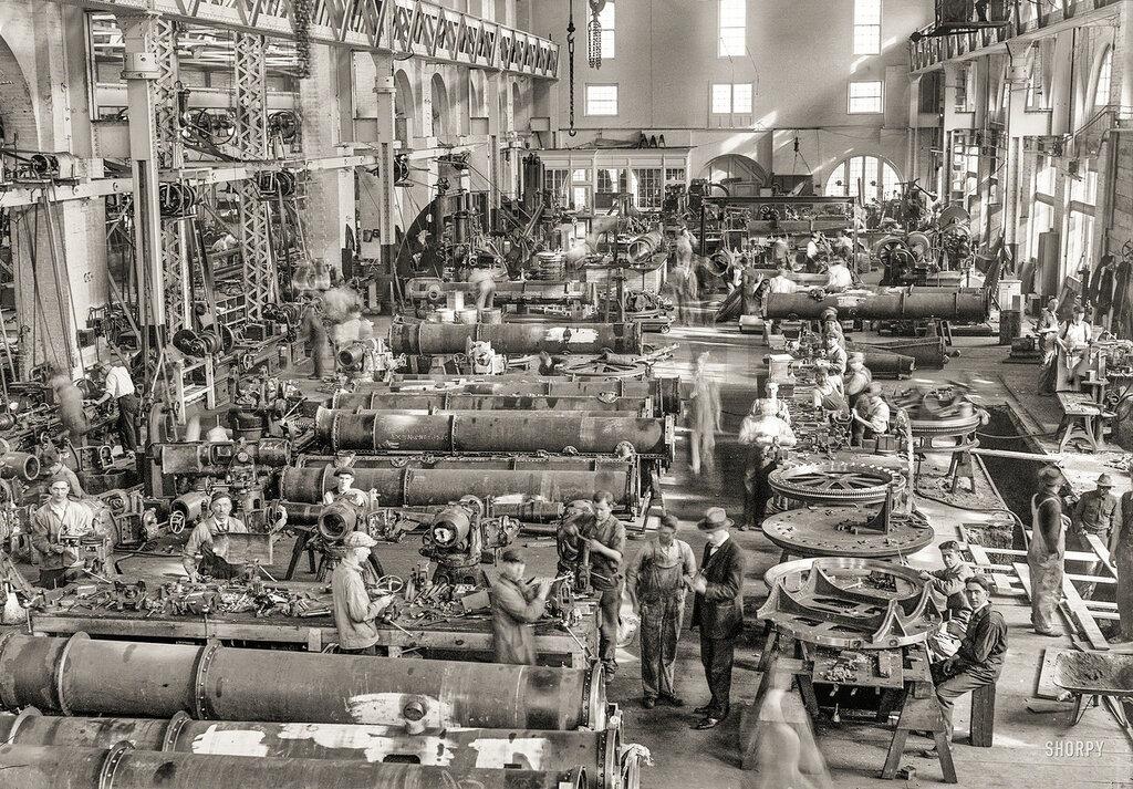 1917. Torpedo shop, Washington Navy Yard.