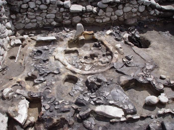 Во время раскопок в 2003-2011 годах армянской крепости в городе Гехарот археологи обнаружили три свя