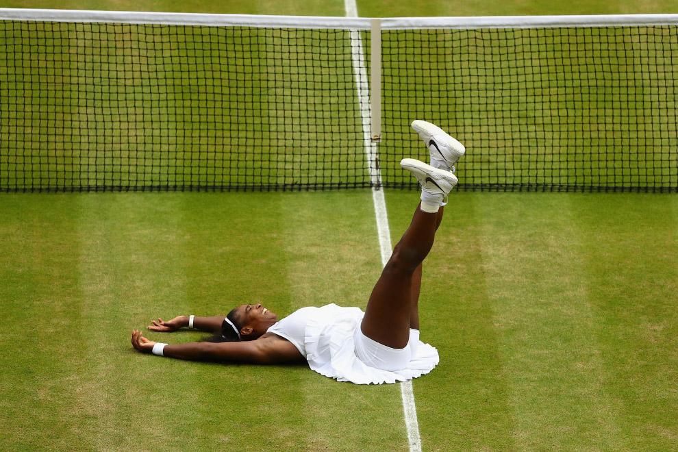 3. Традиционными цветами Уимблдона являются зелёный и фиолетовый, но форма теннисистов должна б