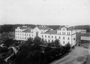 Вид здания монастырской гостиницы.